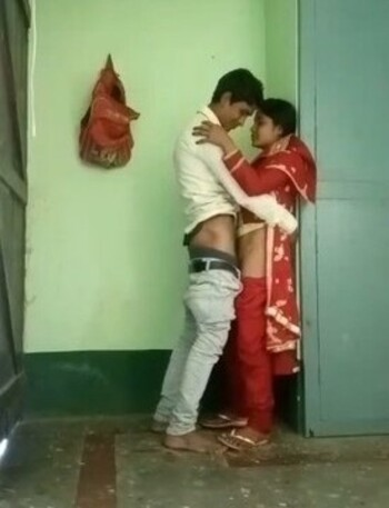 Sexy college couples desi bur chudai in classroom leaked mms