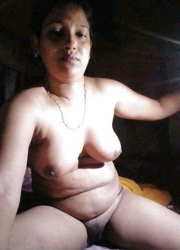 desi aunty nude video mms showing big boob on cam HD